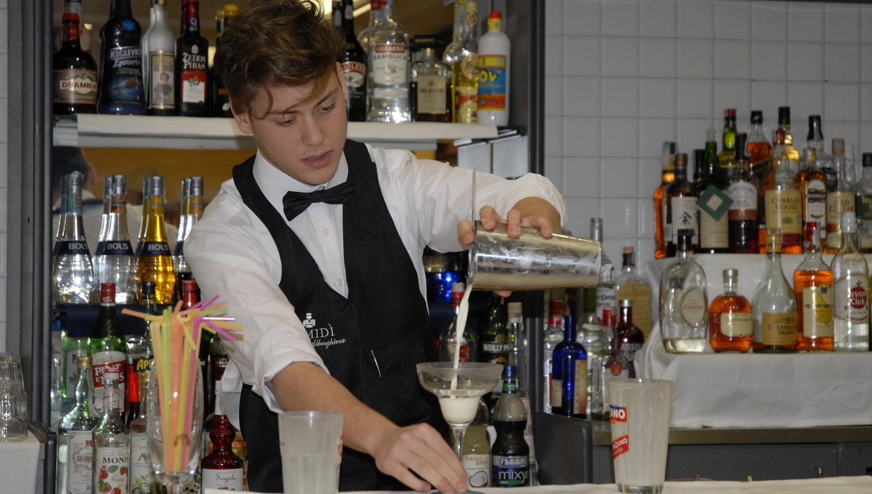 Cagliari: Storico Bar in centro cerca Banconiera/e con esperienza