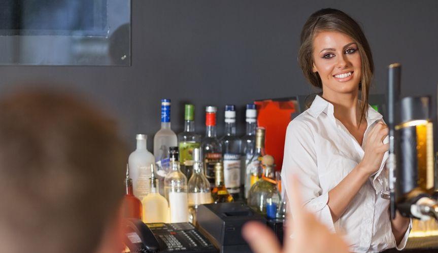 Cercasi banconiere di Bar per preparare e servire bevande e snack ai clienti in attività ad Oristano