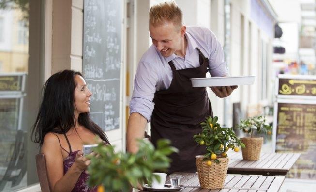 Iglesias (SU): Cercasi barista - cameriere/a per impiego a tempo pieno presso BAR - lavoro su turni