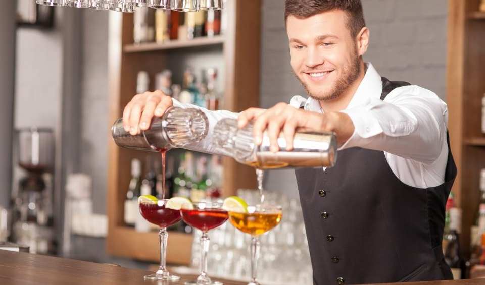 Cercasi Barman per lavoro in località turistica nel territorio di Lotzorai (NU) - Disponibilità a turni festivi e notturni