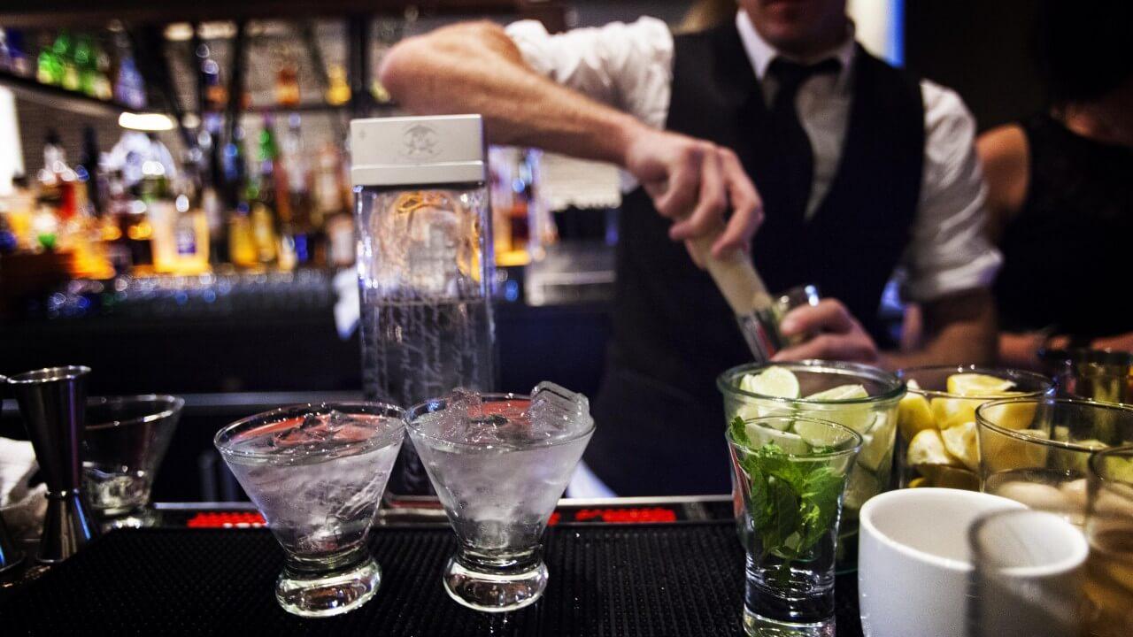 Cercasi Barman da inserire presso struttura in Costa Smeralda - Vitto e alloggio incluso