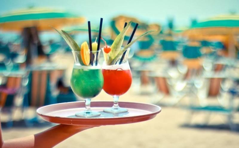 Magic on the beach di Porto Rotondo cerca un cameriere spiaggia anche senza esperienza - eventuale vitto e alloggio disponibile
