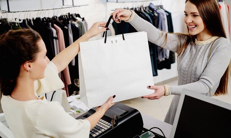Cercasi Commessa / addetta alle vendita per negozio di abbigliamento in via Costituente a CARBONIA