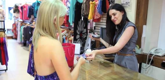 Nuoro: Cercasi Commessa da inserire presso Negozio di Abbigliamento Femminile