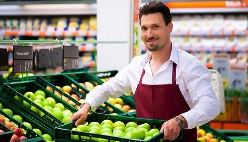 Cercasi un tirocinante da inserire presso negozio di frutta e verdura ad Oristano
