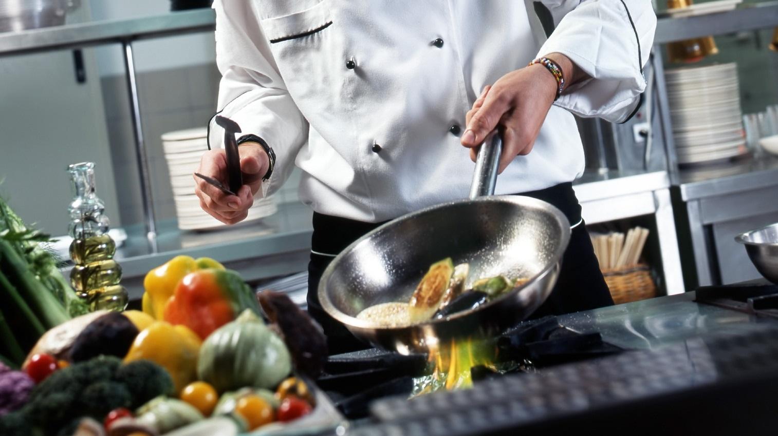 Cercasi 1 Tirocinante aiuto cuoco da inserire presso ristorante a Dorgali (NU)