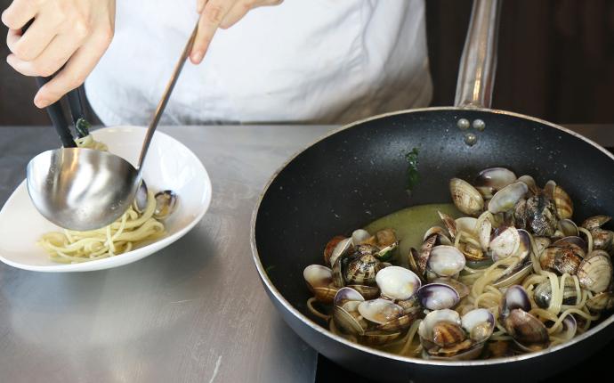 Ristorante NEW GARDEN a Macomer cerca cuoco con disponibilità immediata - esperienza in cucina di carne e pesce