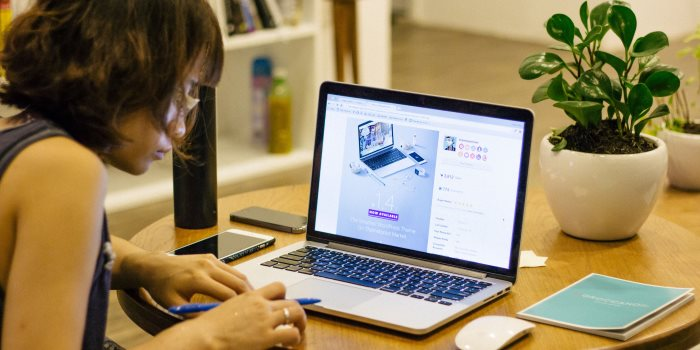 Cercasi Digital Marketing Manager in grado di ideare e gestire strategie di comunicazione sui Social e Web