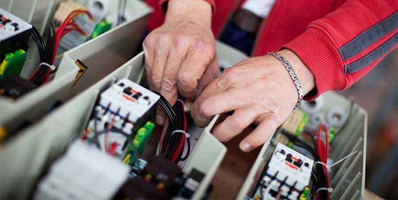 Cercasi 1 elettricista per impianti esterni ed interni nelle costruzioni da inserire presso azienda Termoidraulica Artigiana