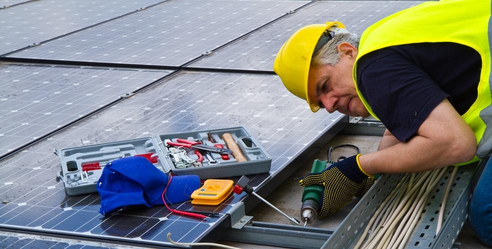Azienda operante nel settore del fotovoltaico assume personale a tempo indeterminato
