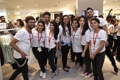 H&M nuove selezioni per Sales Advisor (Commessi/e) part-time a Sassari - Ecco come candidarsi da lavora con noi
