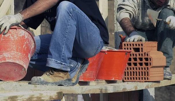 Arzachena (SS): Azienda Settore Edilizia assume 4 Manovali edili per  attività di passaggio di attrezzi e materiali e nella preparazione delle malte