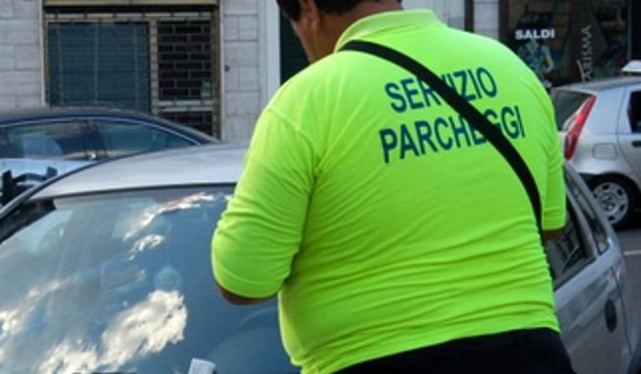 Arzachena (SS): Cercasi 2 Parcheggiatori per gestione a turno di area parcheggio non custodito a pagamento