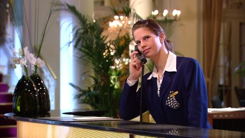 Hotel 4 stelle nord Sardegna ricerca urgentemente segretaria/o di ricevimento  - vitto e alloggio incluso