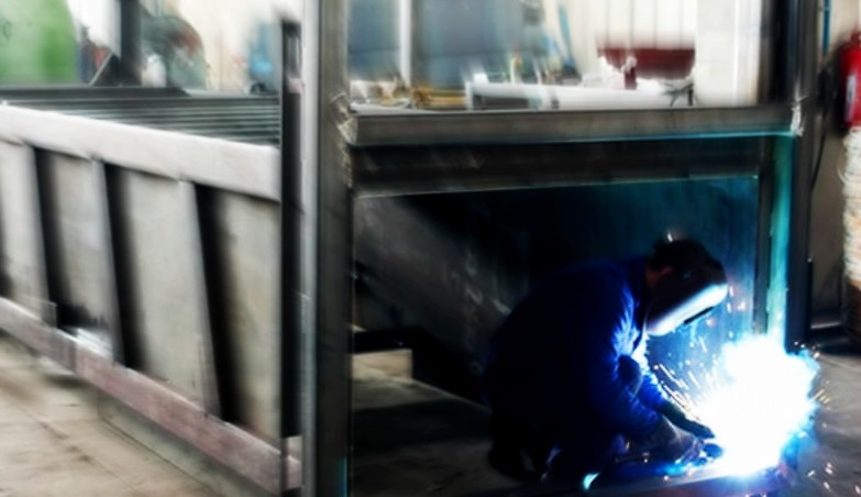 Cercasi Saldatore per riparazioni su cassoni, smerigliatura e verniciature presso azienda settore ecologico a Sestu (CA)
