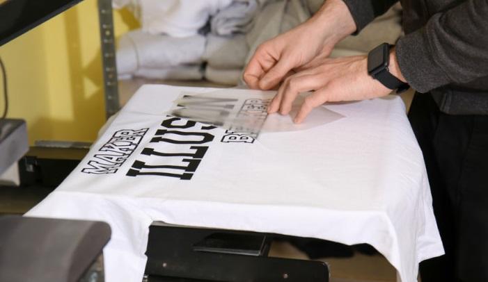 Alghero (SS): Stamperia cerca 1 Tirocinante Grafico Pubblicitario, stampa abbigliamento personalizzato, supporti cartacei e plastici